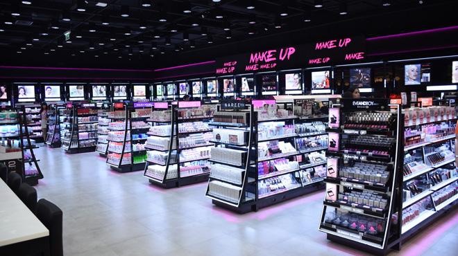 中国化妆品品牌前十名:化妆品品牌推荐与年轻消费者建立关系