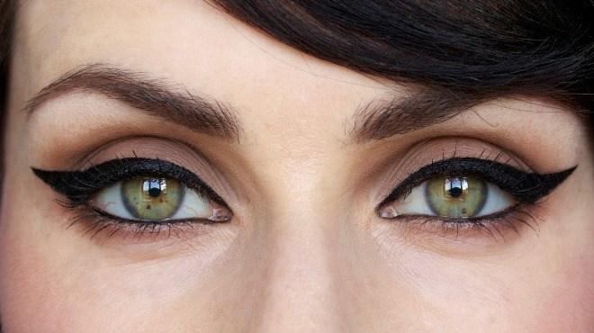 皮肤护理离不开护肤品:对于女性来说每天都要用到护肤品或化妆品