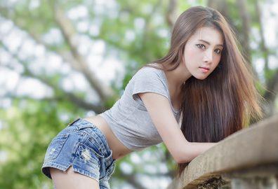长头发美女-介绍长头发美女保持柔顺头发的好习惯