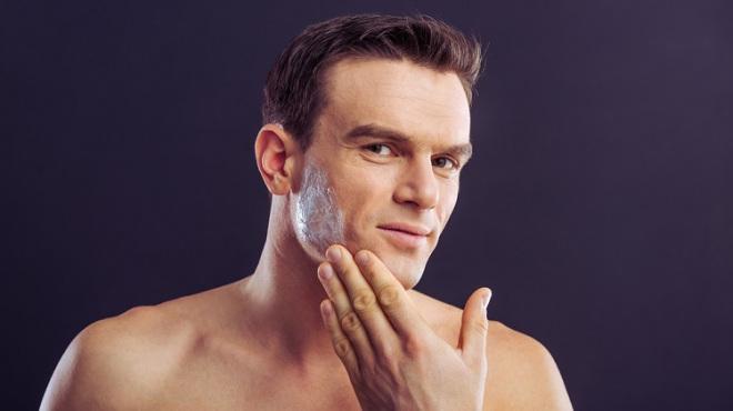 小白脸是如何养成的:现代生活谈到小白脸会想到一个男人靠女人养