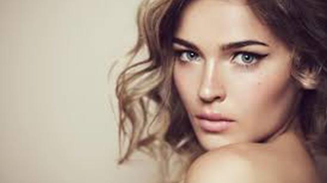 眉如画脸无暇-聪明的女人懂得爱护自己做肌肤水灵灵的精致女人