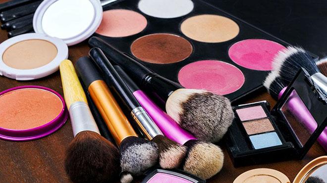 怎么知道化妆品是不是正品-冒牌的产品价格昂贵使用起来还损害人的肌肤