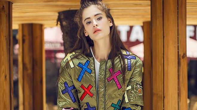 美国女性穿衣风格-美国女性追求低调穿衣风格的冲击了整个服装产业
