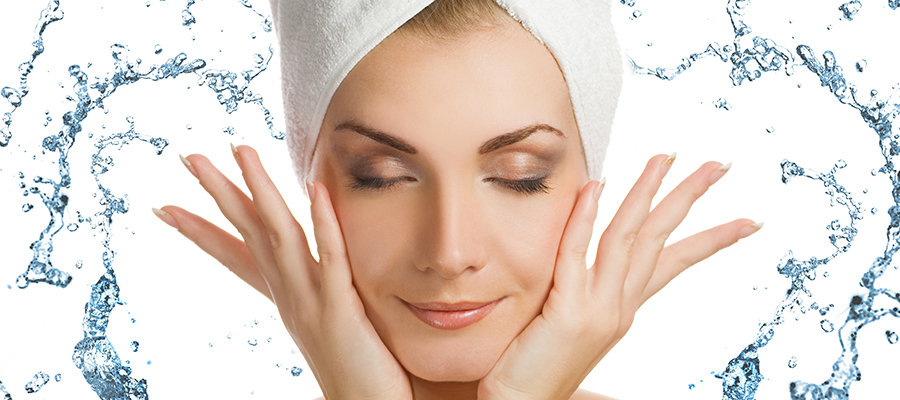 如何改善面部毛孔粗大-清洁面部