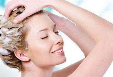 哪款洗发水控油效果好-油性头发的人来说不合适的洗发水不能很好清洁头发