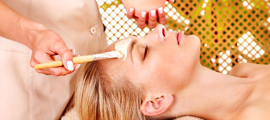 采用天然美容方法保养敏感肌肤