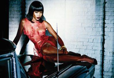娜奥米·坎贝尔-出生于英国伦敦全球最著名的模特也是多宗伤害案的主角