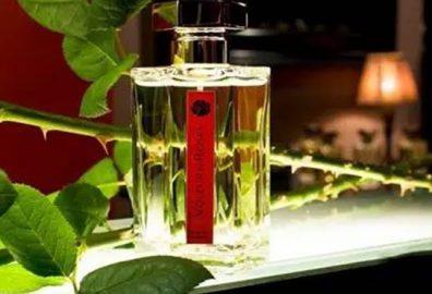 玫瑰香水:-玫瑰香味的香水就更能让人神往值得拥有